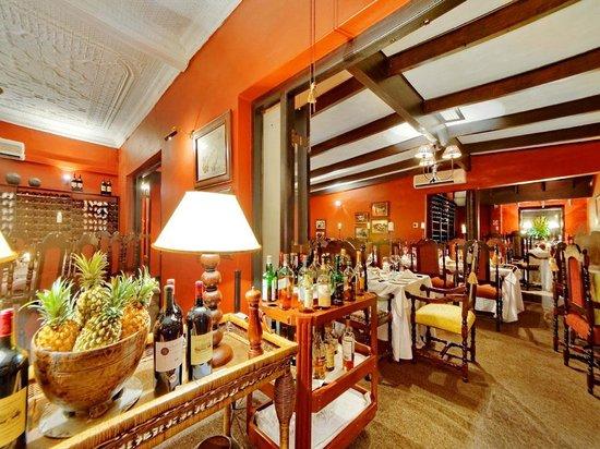 Wombles Steakhouse Restaurant: inside ks H