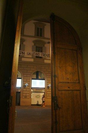 Residenza Giotto: Entrada principal do prédio