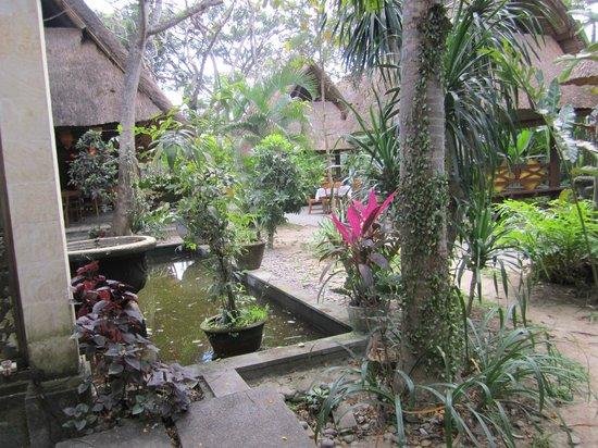 Kayun Restaurant & Lounge: esterno