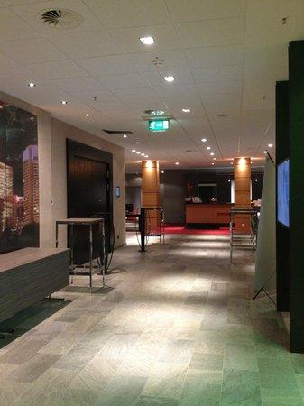 Lindner Congress Hotel Frankfurt: ingresso