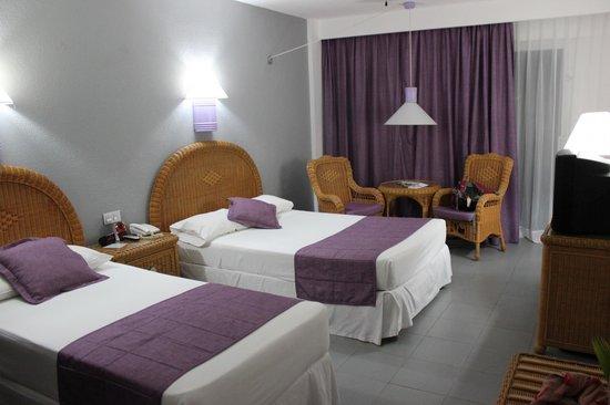 Hotel Riu Naiboa: Kamer