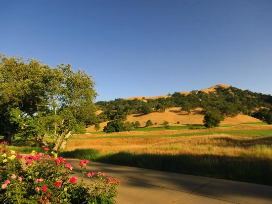 Rosewood CordeValle: Grounds of the hotel