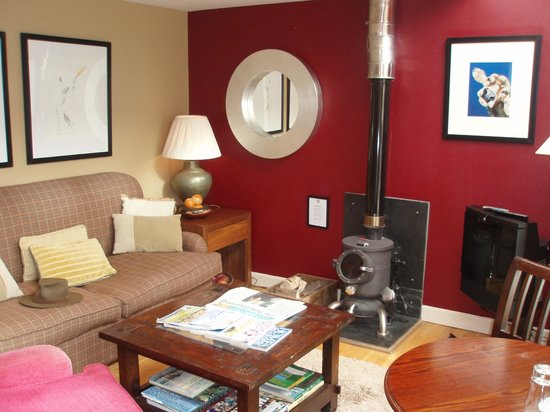 Feversham Arms Hotel & Verbena Spa: Sitting room, with wood-burning stove