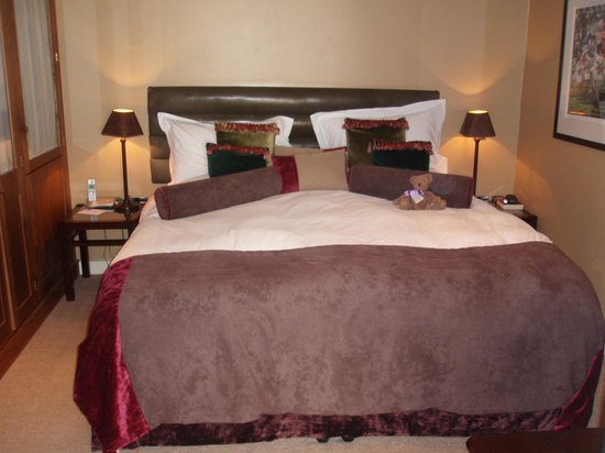 Feversham Arms Hotel & Verbena Spa: Very comfortable bed