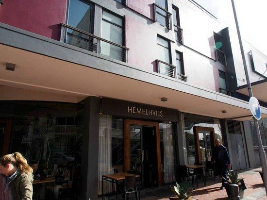 Hemelhuijs: Outside the restaurant