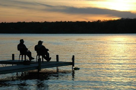 Samara Point Resort on Gull Lake: Great dock fishing at Samara Point Resort
