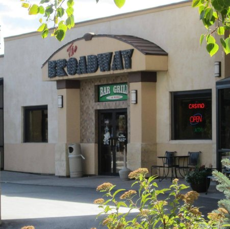 Broadway Inn Conference Center: Bar & Grill Entrance