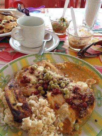 Loncheria Alexia y Geovanny: motuleños con cafecito