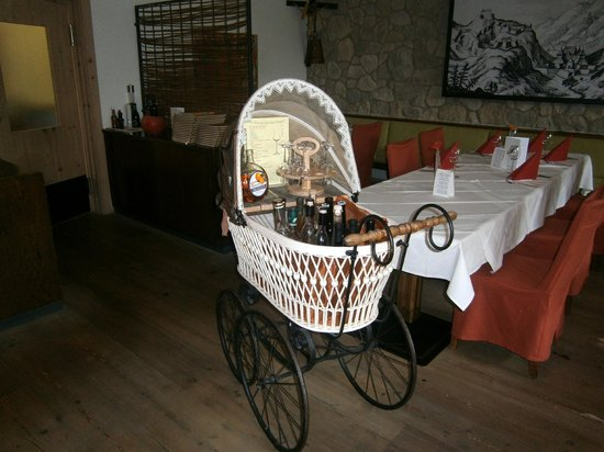 Restaurant at Hotel Maximilian: Appropriate idea to store wine :)