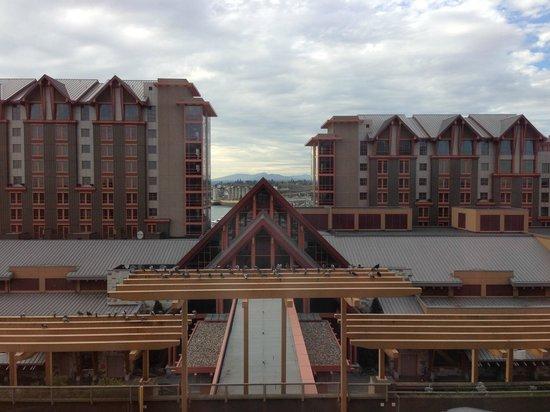 River Rock Casino Resort: overlooked a pretty marina