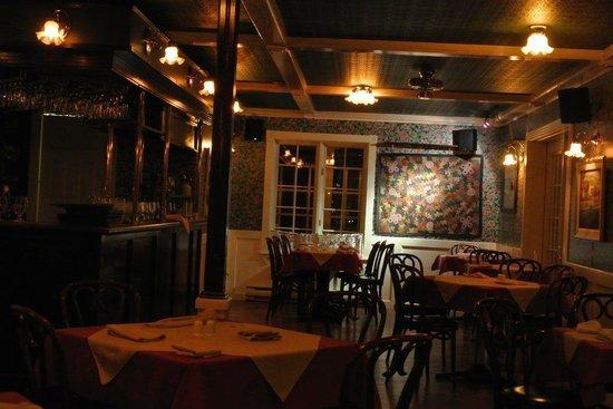 Restaurant la bolee : Cadre assez sombre et intime