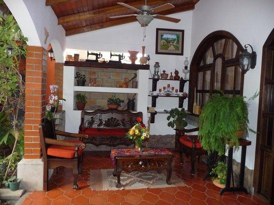 Hotel Casa Gabriela: Zona de lectura y descanso