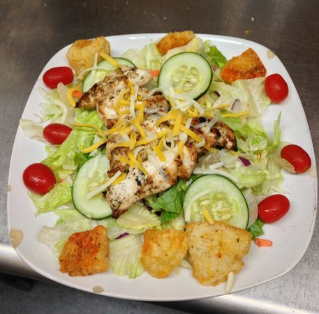 Mezzos: Grilled Chicken Salad with homemade croutons!