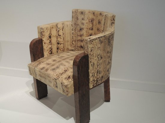 Museum of Modern Art City of Paris: fauteuil en python