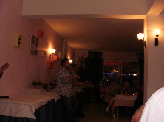 Blue Pearl Hotel & Apartments: turkish night