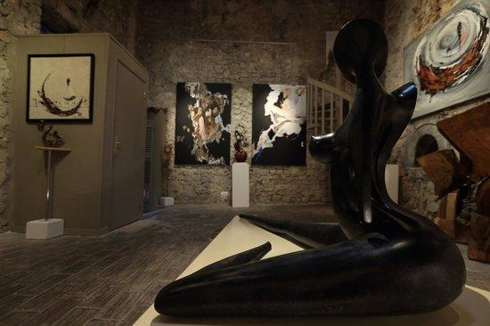Galerie Lifetime Gallery: Galerie d'art Lifetime/ Lifetime Art Gallery
