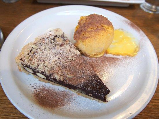Three Birds: Chocolate , K alhua & chunky mixed nut tart