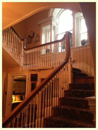 Hamanassett Bed & Breakfast : Grand Staircase