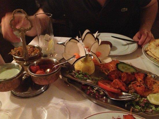 Le Taj Mahal: Appetizer with sauces