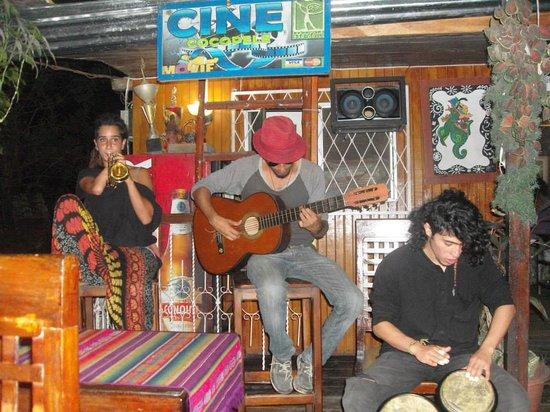 Coca, Ecuador: Música en vivo!!