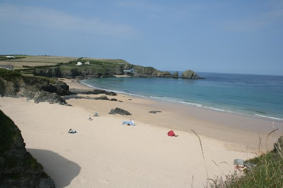 Mother Ivey's Bay Holiday Park: the beach