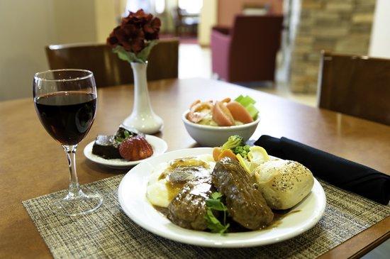 Residence Inn Gulfport-Biloxi Airport - Renovated: Dinner