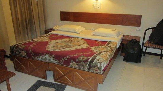 Bombay Tiffanys Hotel : Beds