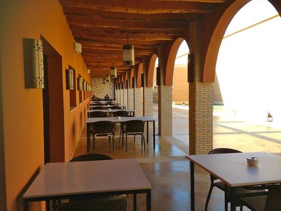 CôtéSud : Terraza restaurante