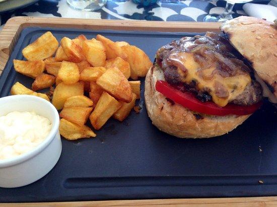 Petite fleur : Delicious burger