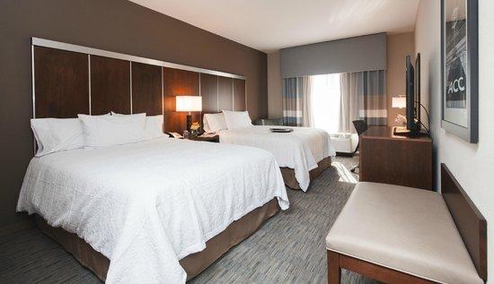 Hampton Inn & Suites Chapel Hill/Carrboro: Double Queen Standard