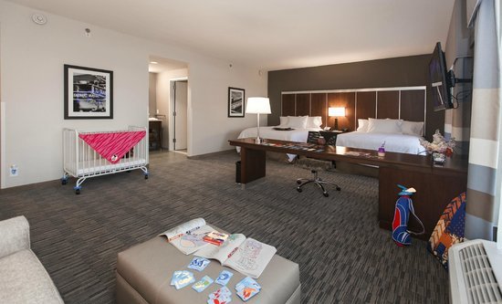 Hampton Inn & Suites Chapel Hill/Carrboro: Double Queen Studio Suite