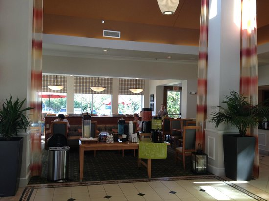 Hilton Garden Inn Birmingham SE/Liberty Park: Coffee Buffet and Eating Area