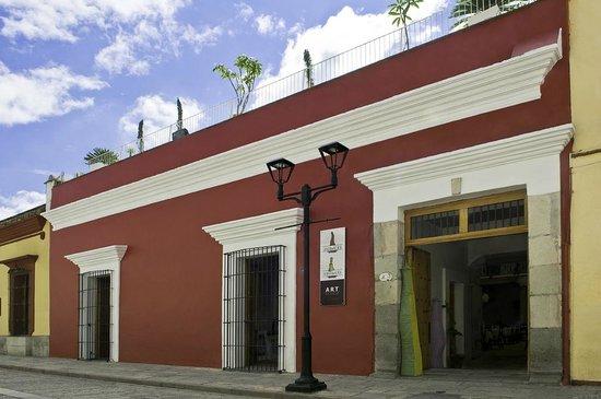 La Catrina de Alcala: FACHADA DEL HOTEL