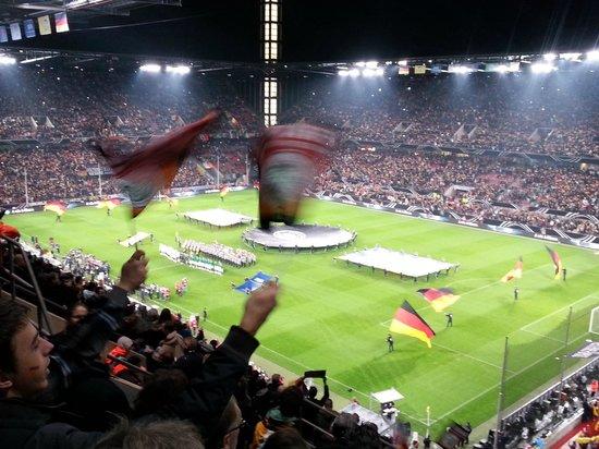 RheinEnergieStadion: Stadio 1