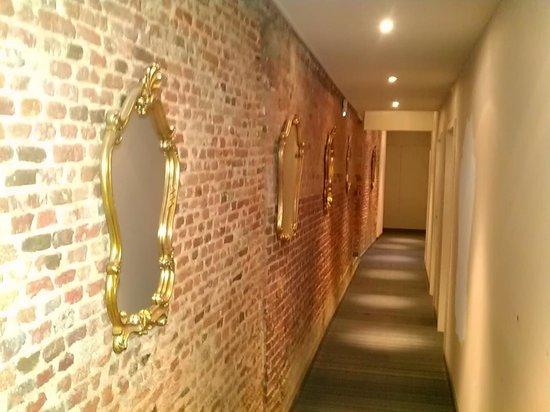 3 Paardekens Hotel: Pasillo habitaciones