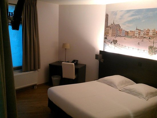 3 Paardekens Hotel: Habitacion