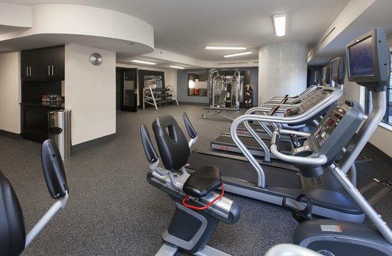 Hampton Inn & Suites Chapel Hill/Carrboro: Fitness Room