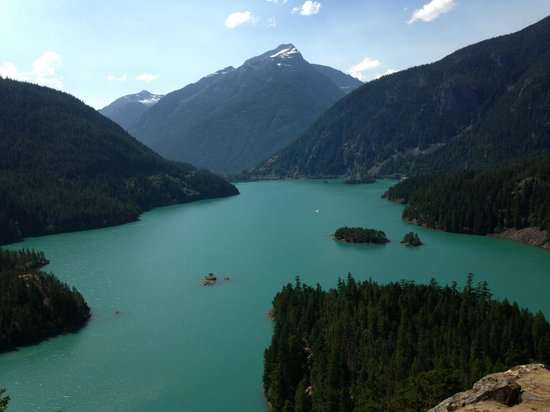 North Cascades Highway: Lake on the hwy 20 part of the loop.