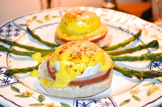 The Villa: My husband loved his eggs Benedict!
