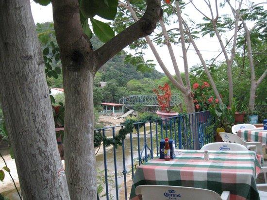 Restaurant el Manguito: View downriver at Manguitos