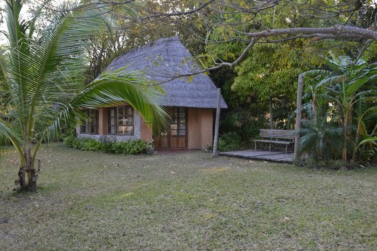 Makuzi Beach Lodge: Our cottage