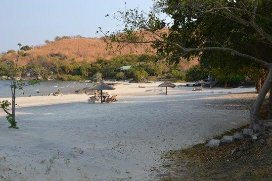 Makuzi Beach Lodge: Beach view