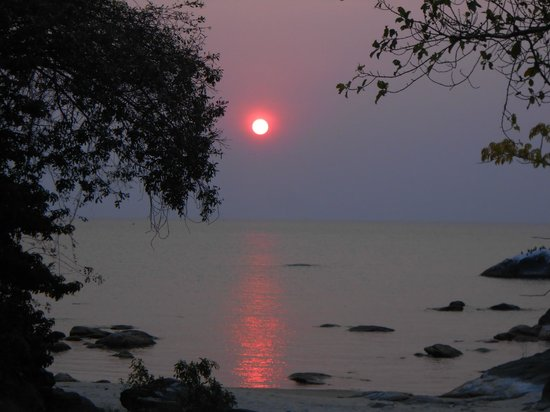 Makuzi Beach Lodge : Sunrise...