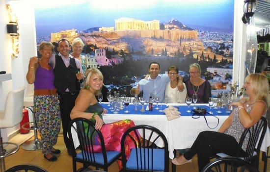 Micri Acropoli Restaurant & Bar : Great night at the Micriacropoli Restaurant