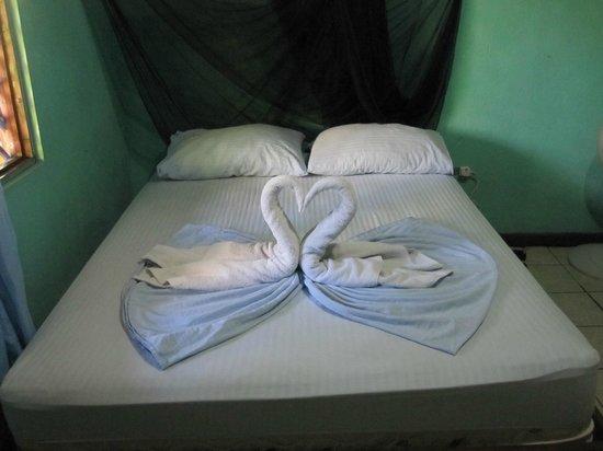 Cabinas El Icaco Tortuguero : Bedroom.