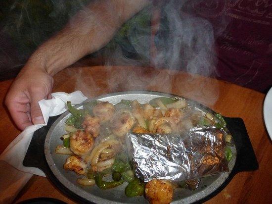 La Quetzalteca Restaurant : Shrimp & Scallop Fajitas La Quetzalteca