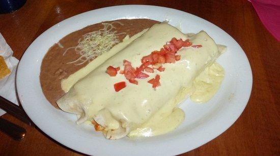 La Quetzalteca Restaurant : SOFT Chicken Chimichanga La Quetzalteca