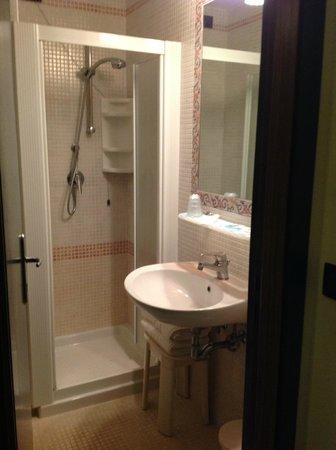 Hotel Brioni Mare: Bathroom
