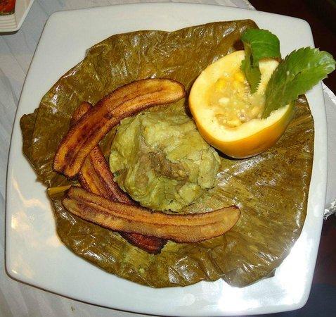 El Pilon: Tacacho con platanos fritos