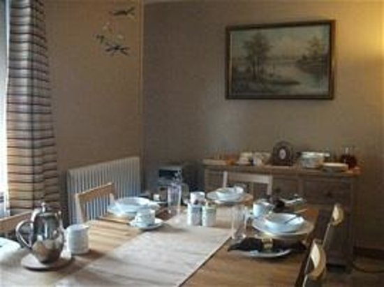 Croesonen Farm Bed & Breakfast: Our airy dining room